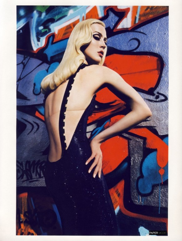 """GRAFFI-COUTURE"" BY MARIO SORRENTIvogue paris nov 09 papermode4"